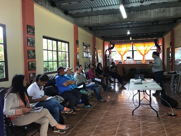 Workshop on Designing of Circuits, Catalogs and Tourist Maps for the Four (4) Green Tourism Destinations and Promotion of Promotional Material Dissemination Actions (July - November, 2017), Campaign Visit Your Protected Area: Green Tourism Destination Tierras Altas - Barú Volcano National Park and La Amistad International Park, held in FUNDICCEP, Cerro Punta