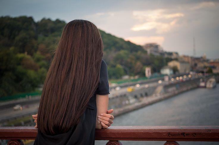 Girl on the Bridge - null
