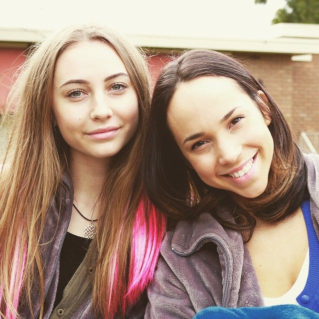 My beautiful girls! @arielerinkaplan @mavournee_hazel @neighbourstv
