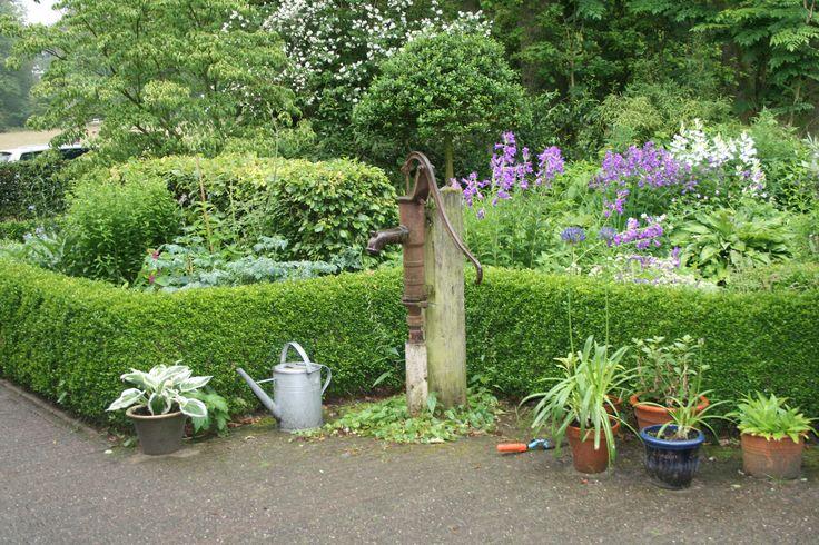 WASSER IM GARTEN   BRUNNEN   GARTENREISE HOLLAND Gartenbrunnen - naturlicher bachlauf garten