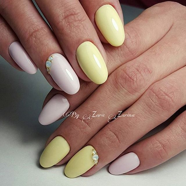 Delicate spring nails, Gentle shellac nails, Oval nails, Pale nails 2016, Spring designs for nails, Spring nail art, Spring nail designs, Spring nail ideas