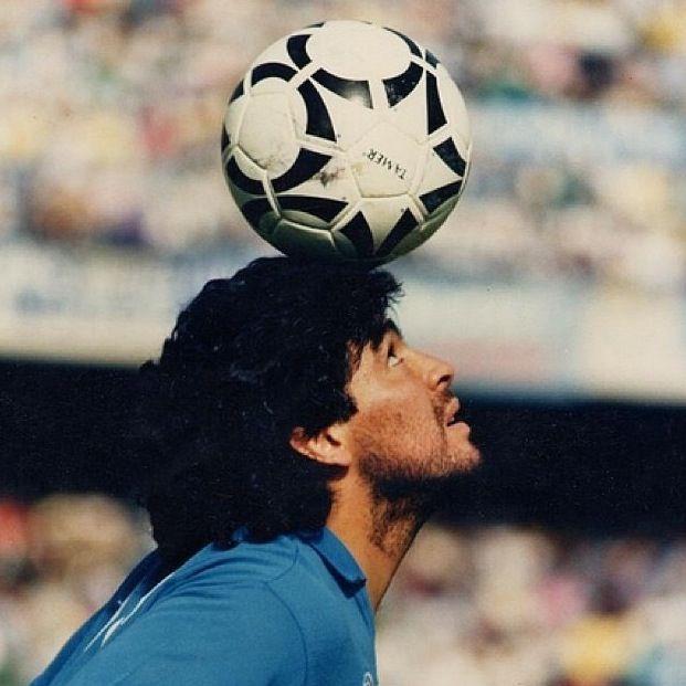 Diego Maradona soccer legend. #soccer #maradona #argentina http://www.pinterest.com/TheHitman14/sports-usa-world/