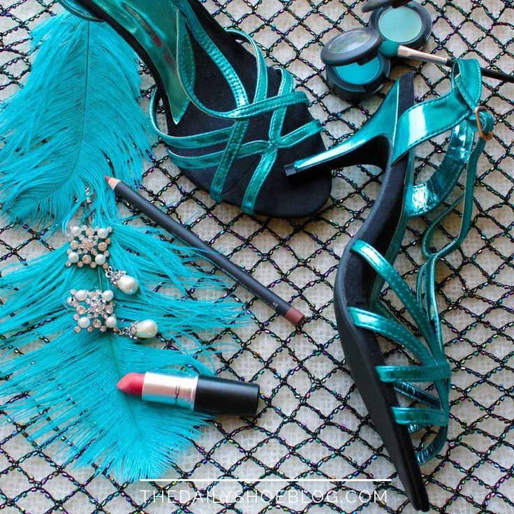 Turquoise glam with feathers! 20's nostalgia...     #dailyshoe #shoes #heels #heelsaddict #loveheels #iloveheels #shoestagram #shoegasm #solecollector #instaheels #fashionshoes #shoelover #instashoes #highheelshoes #beautiful #pretty #love # #girly #turquoise #1920 #makeup #mac
