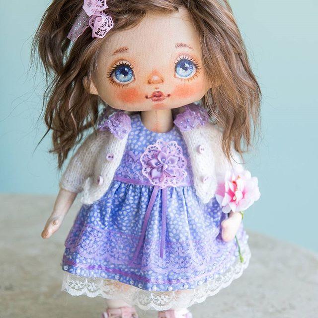New doll for sale🌹💗 Sold🏡🛩 Новая куколка. Продается🏵💞 Продана🛩🏡🌹 #alicemoonclub #ooak #fabricdolls #handmade #clothdoll #heirloomdoll #customdoll #doll #homedecor #interiordolls #artwork #인형#娃娃 #kawaii #artdolls #vintage #unique #picoftheday #decoration #dollmaker #etsyseller #like4like #dollsofinstagram #handmadedoll #dollscollection #girlroom #giftideas #текстильнаякукла #интерьернаякукла #etsyshop