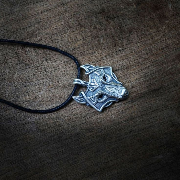 Fahison Punk Men Boy Retro Metal Wolf Animal Head Pendant Necklace Leather Long Necklace Jewelry Gift