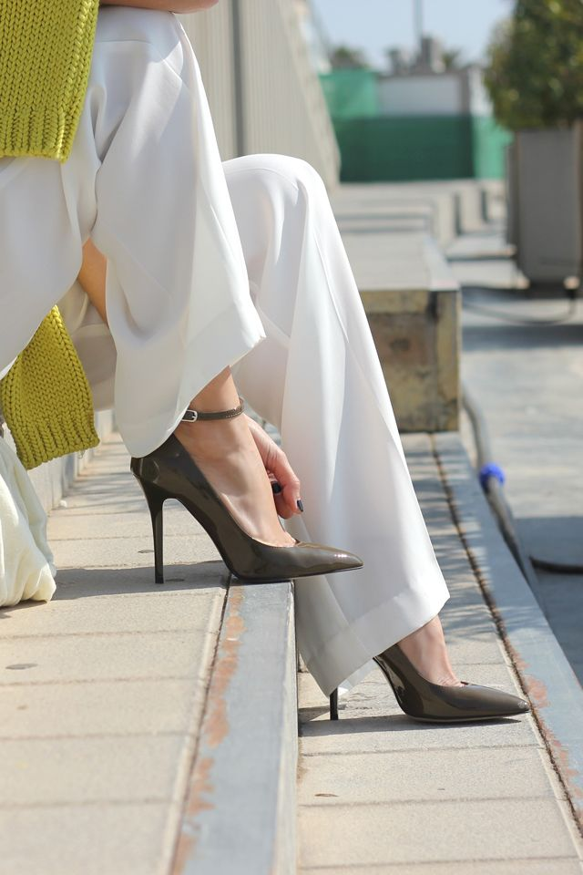 White, yellow and sun with coohuco #blogger #spring #fashion  #style #batashoes #shoes