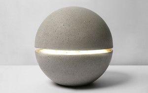 Concrete gardenlighting | Mooie buitenverlichting, betonnen bolvorm diameter 80 cm. met ingebouwde ledverlichting