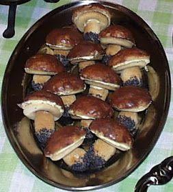 Poniżej efekt moich dwugodzinnych zbiorów. Nie ma tego dużo i trzeba się było troszkę nachodzić, ale na zupę grzybową i dwa słoiczki kurek w...