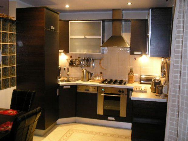 mała kuchnia z salonem w bloku  Szukaj w Google  Kuchnia   -> Kuchnia Kolor Śliwa