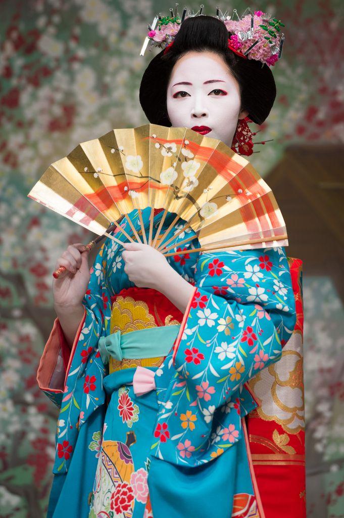 городе ждали фото китаянок с веерами в кимоно огородники делятся