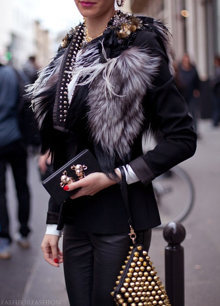 Paris Fashion Week: Black, gold and fur