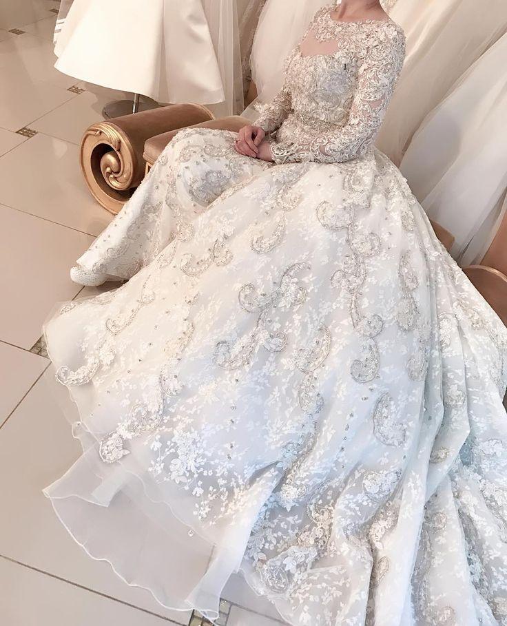 Новая шикарная модель уже в наличии ✨✨✨ платье-трансформер со съемной пышной юбкой полностью расшито платиновой нитью и камнями Swarovski ������#невеста #свадебноеплатье #дагестан #салонмадонна #красота #счастье #свадьба #кавказ #любовь #всекнам #свадебныйсалон #махачкала #чечня  #грозный #мадонна  #богато #ярко #стильно #нежно #follow #bride #fashion #wedding #love #salonmadonna #like не #bridaldress  #madonna  #fashionweek #photooftheday…