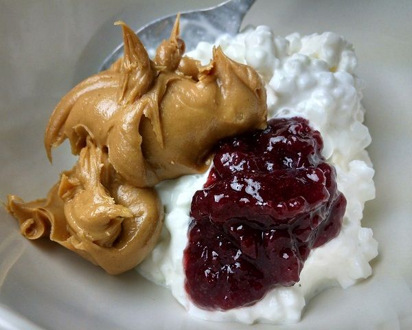 Cottage Cheese Peanut Butter and Jelly (Low Carb)