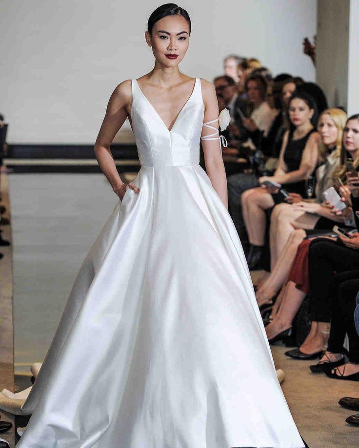 Simple Wedding Dresses That Are Just Plain Chic: Best 25+ Plain Wedding Dress Ideas On Pinterest