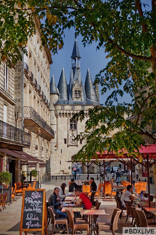 Terrasse place du Palais  -- Bordeaux