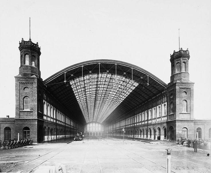 Berlin: Schlesischer Bahnhof, gebaut 1867 bis 1869.  Der Schlesischer Bahnhof war der Endbahnhof der Prussian Eastern Railway.