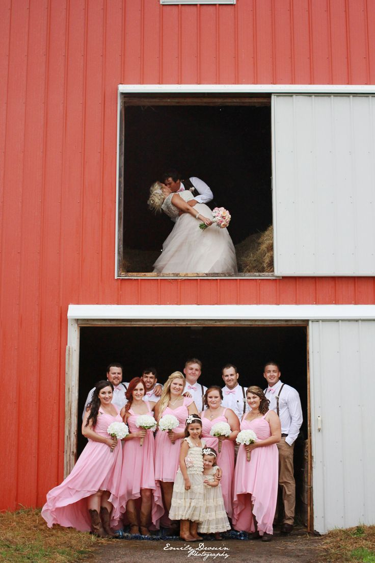 Beautiful country wedding. Click to see high resolution. Photo by Emily Drouin Photography. Facebook: Emily Drouin Photography. Ontario, Canada.