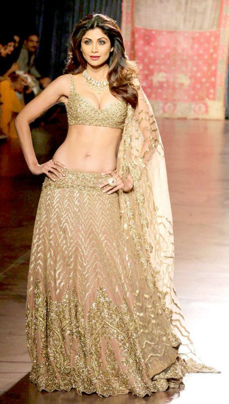 44 best Indian Wedding Dresses images on Pinterest | Indian bridal ...