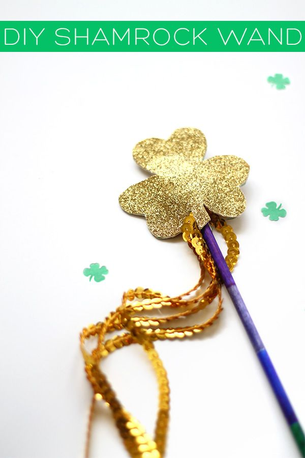 DIY Shamrock Wand | Squirrelly Minds: Squirrelli Mind, Mind Pin, Diy Holidays, Patrick'S Day Irish, Holidays Shamrock, Shamrock Wands, Simple Songs, Fun Shamrock, Diy Shamrock