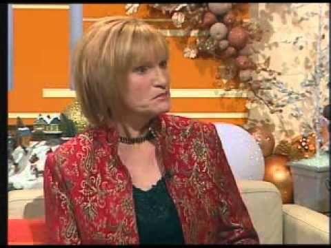 Contour Threads  TV3 interviews Dr Treacy
