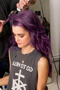 Glam rock: cabelos roxos