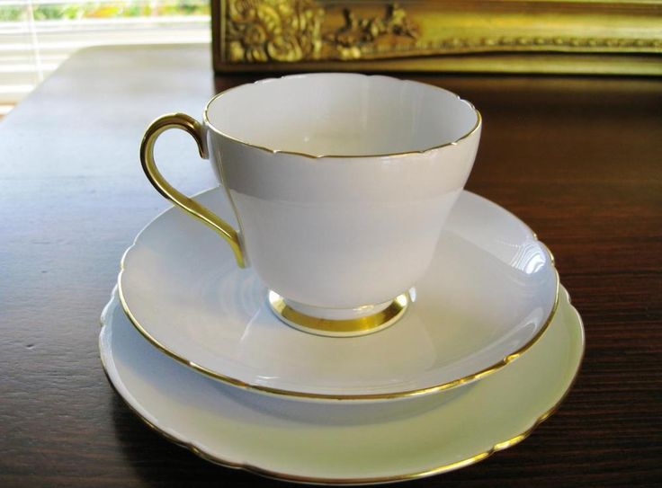 Elegant vintage Shelley trio. High tea