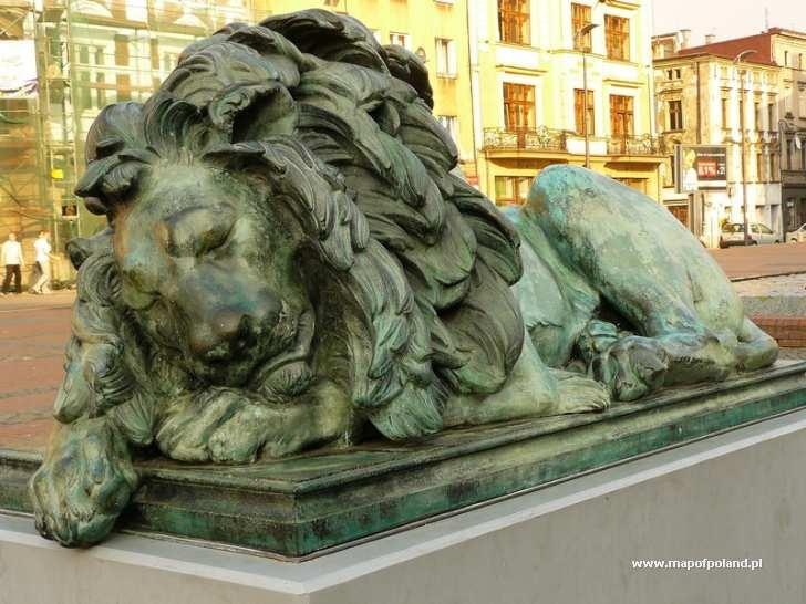 Bytom galeria zdjęć - Śpiący lew - Rynek.