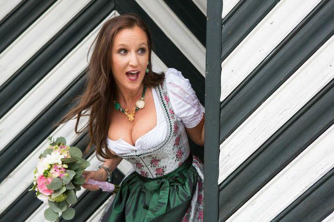 Brautgeschäfte - Hanna Trachten Wien. Fotos von Brautkleidern, Preise, Meinungen, Verfügbarkeit, Telefon