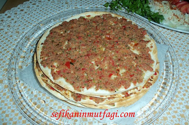 Pratik ve lezzetli bir tarif Lavaş Lahmacun Tarifi #lavaş #lahmacun #hamur #hamurişi #recipes http://sefikaninmutfagi.com/lavas-lahmacun-tarifi/