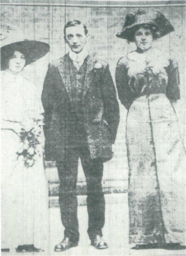 Sarah, Daniel & Emily - Miss Sarah Roth was born in 1880 in Tarnów, Austria (modern-day Poland) & came from a Jewish family. She boarded Titanic at Southampton as a 3rd class passenger & on board became acquainted with a large group of similarly-aged passengers who included Emily Badman. Sarah wed her fiancé in St Vincent's Hospital only a week after the Titanic disaster. Acting as a bridesmaid was Sarah's fellow survivor Emily Badman.