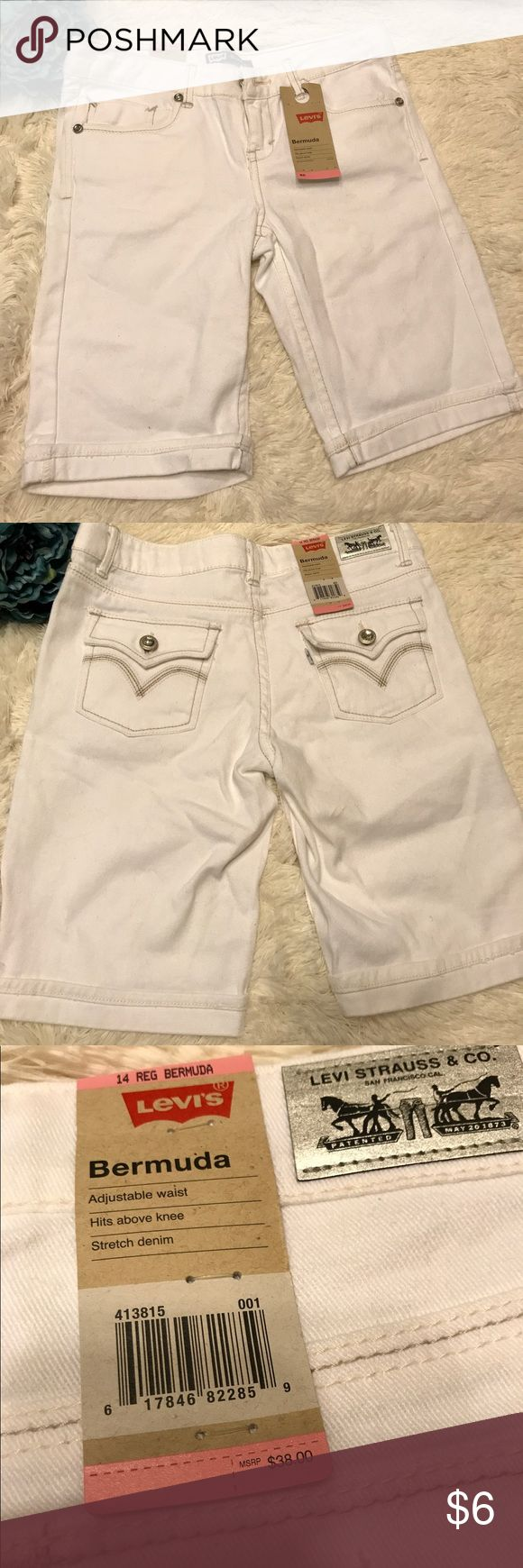 Girls Levi's Bermuda shorts My daughter never wore these ... just packed away in a drawer - cute white shorts for summer time - comes from smoke free home Levi's Bottoms Shorts