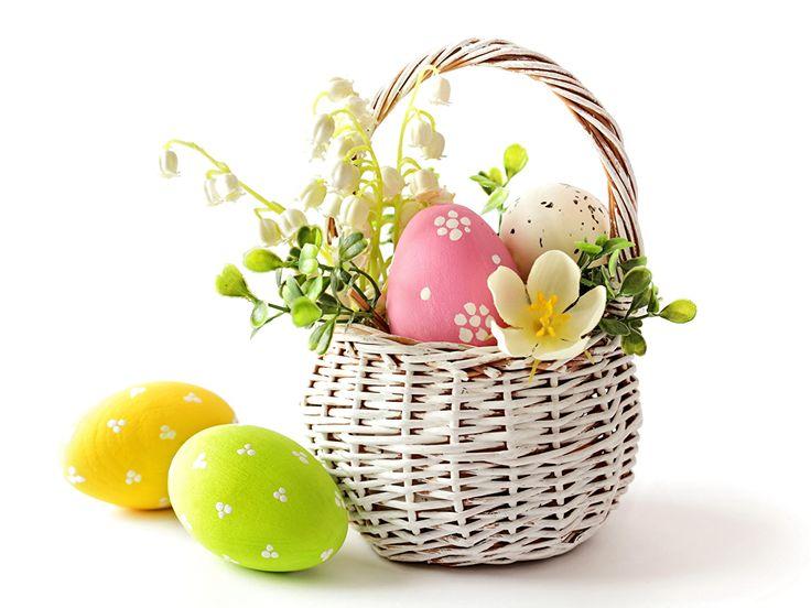Día festivos Pascua Convallaria majalis Cesta de mimbre Huevo