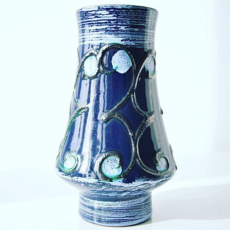 East German pottery dark blue vase by Strehla    #east #eastgerman #dark #darkblue #strehla #vinatgevases #vintage #vase #retrostyle #retro #fatlava #midcenturymodern #midcentury #modern #moderndesign #retrostyle #retro