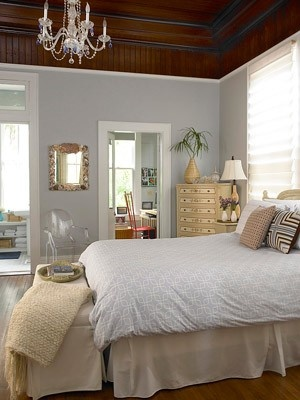 Love the office area off of the bedroom...and that ceiling!