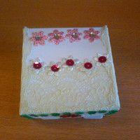 dárkový obal-zavírací papírová krabička malá