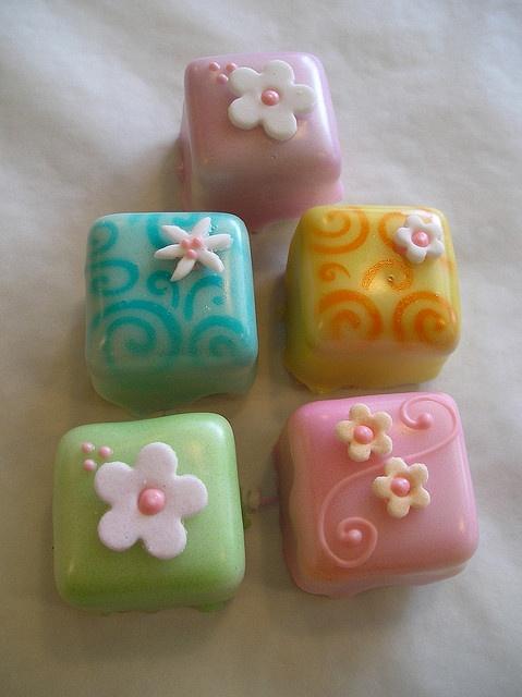 Petits fours by Marisa Hess of Josef's Vienna Bakery (www.josefsvienna.com); via Flickr (http://www.flickr.com/photos/josefs/3579474463/).