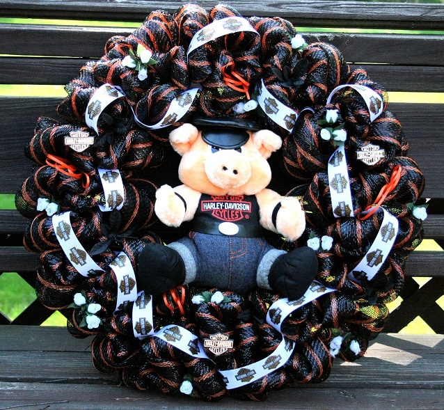 Harley davidson deco mesh wreath like this look but for Deco harley davidson