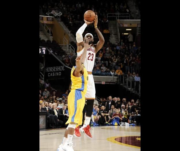 LeBron's first bucket back in a Cavs uniform  LeBron scores 12pts in 19mins as Cavs beat Maccabi Tel Aviv 107-80