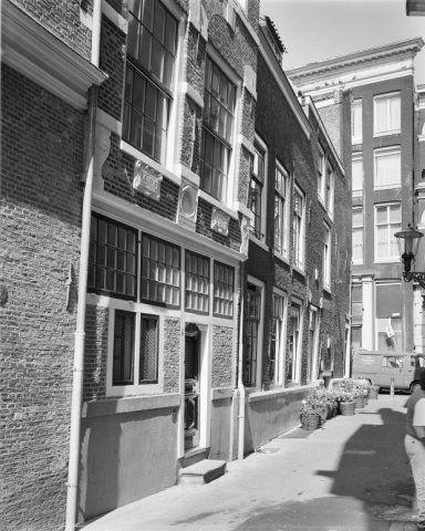Enge Kerksteeg in Amsterdam runs between the Warmoesstraat and the…