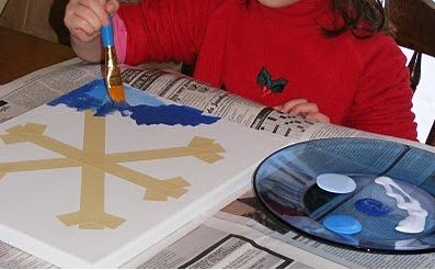 Painted Snowflake - 10 Easy Kids Christmas Crafts! #DIY