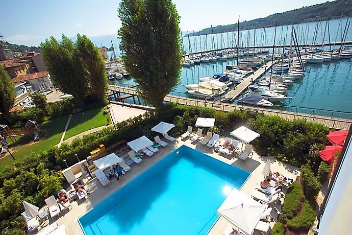 Hotel Bellerive - Salò … Garda; ресторан 100КМ - все продукты произведены в пределах 100км; еда оч простая и оч вкусная