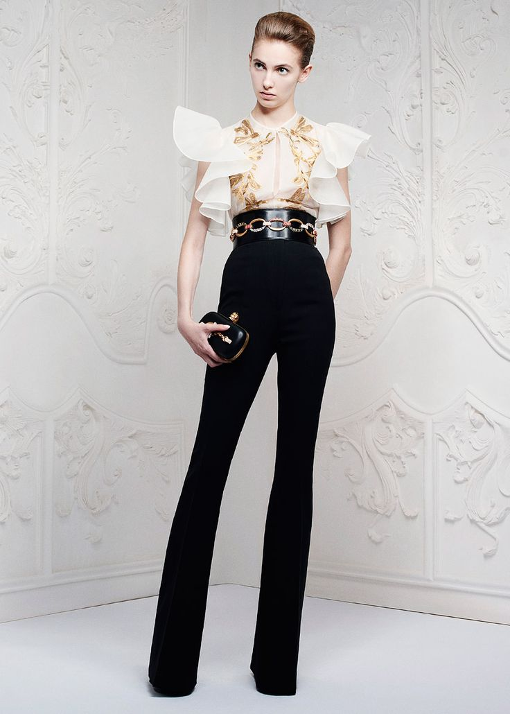 Alexander McQueen Resort 2013 - Review - Fashion Week - Runway, Fashion Shows and Collections - Vogue - Vogue