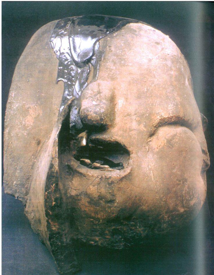 jan kucz, głowa ze złotym zębem, 1972