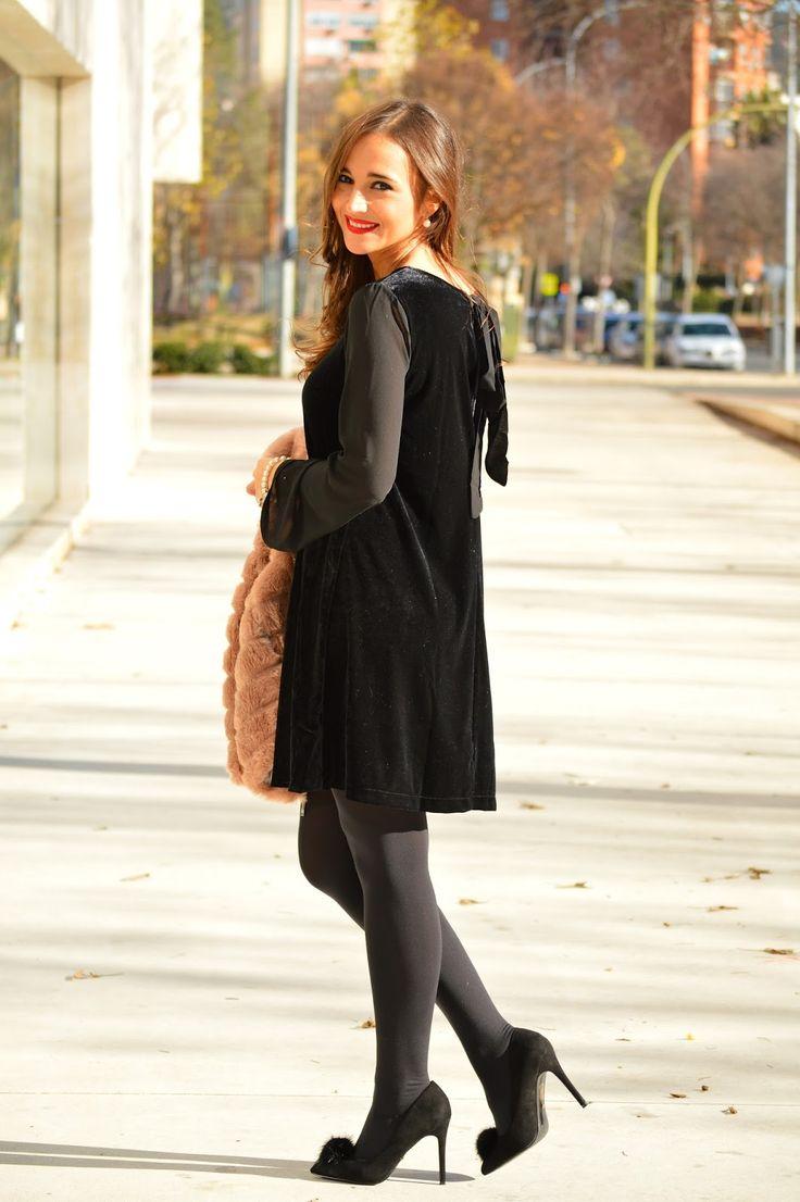 1000 MANERAS DE VESTIR: Christmas with Venca #fetishpantyhose #pantyhosefetish #black #pantyhose #legs #blogger #heels