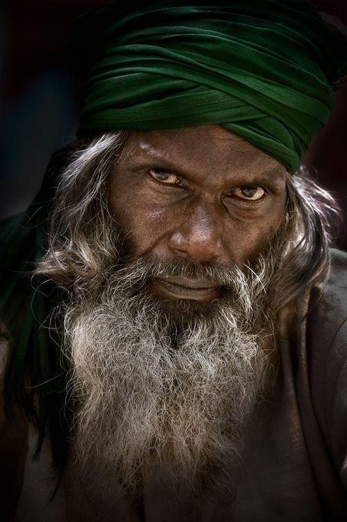 Street Portrait, Old Delhi, India by ian mylam on Fivehundredpx (via Street portrait, Old Delhi, India, by Ian Mylam. | Fotografia)