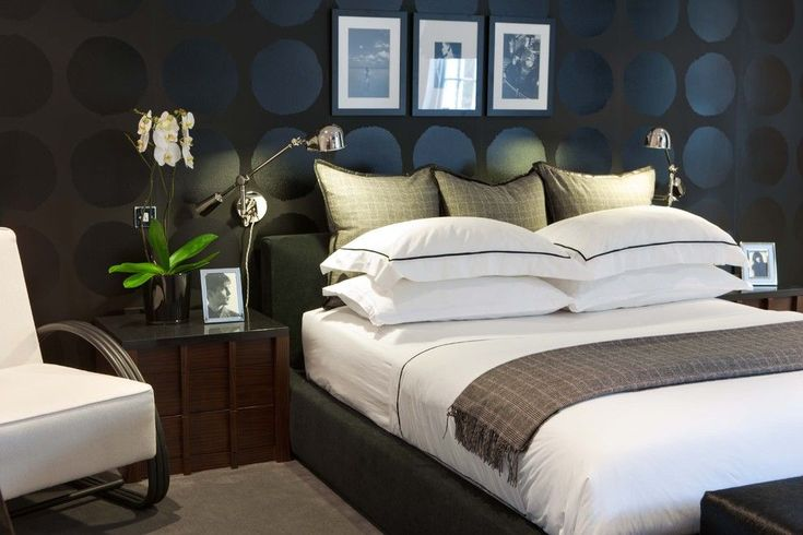 poliform Contemporary Bedroom Remodeling ideas London artwork bed pillows bedroom colour scheme bedside table black and grey bedroom black and white black walls Blue bedroom dark walls darkwood bedroom furniture gallery wall hotel bedding male bedroom decorating nightstand orchid platform bed reading lamp swing arm lamp wall art wall decor wall lighting wall treatment white bedding