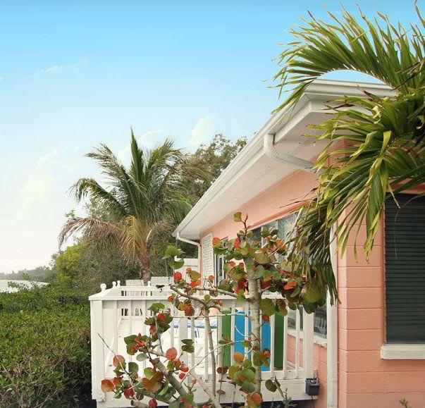 Stay In A Cute Pink Bungalow Near The Water In Siesta Key