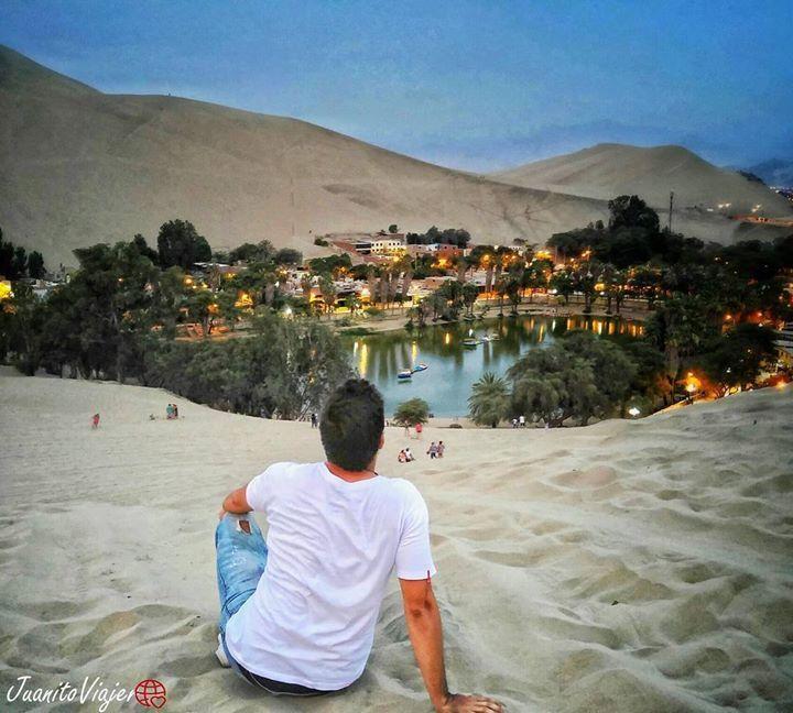 Viajeros! Que lugar mas increible.. Un oasis en medio del desierto de la Huacachina en Peru.. Parece de pelicula... Queda a 4 horas x tierra desde Lima. No hay excusa para no ir!  #oasis #huacachina #huacachinaoasis #ica #peru #travelers #travellove #travelgram #traveling #viajeros #mochileros #wanderlust #followme #adventure Capturado por juanitoviajero
