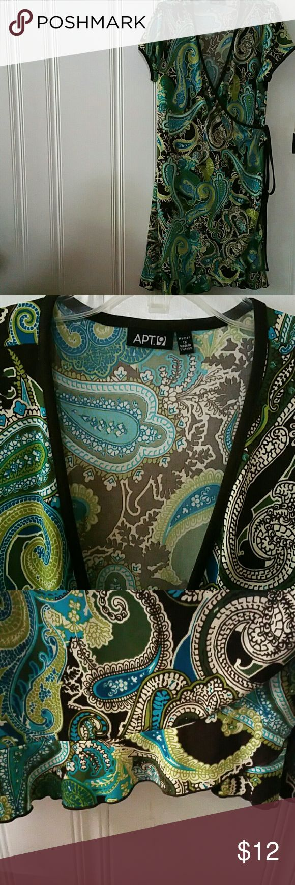 Plus size wrap dress Pretty paisley wrap dress from Apt 9. It has colors of brown yellow and green and is sized 1X. It is made from m polyester Apt. 9 Dresses Midi