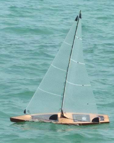 Matt's T50 rc model sailboat on the water | Tippecanoe Boats